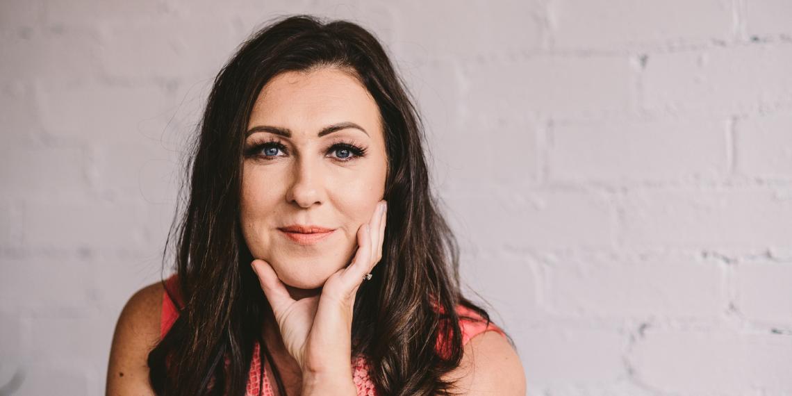 Assertive Female Leadership at Work – Jodie Salt